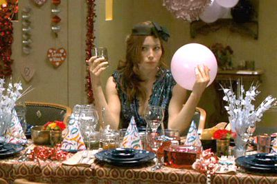 Examples: Jessica Biel in <i>Valentine's Day</i>, Scarlett Johansson and Jennifer Aniston in <i>He's Just Not That Into You</i>, Reese Witherspoon in <i>How Do You Know</i>.