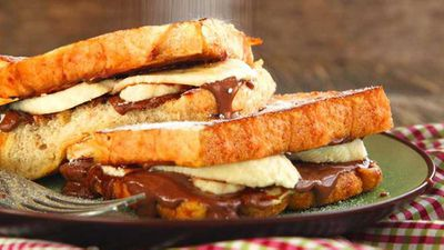 "Recipe: <a href=""http://kitchen.nine.com.au/2017/11/07/09/35/toasted-banana-nutella-sandwich"" target=""_top"">Toasted banana Nutella sandwich</a>"