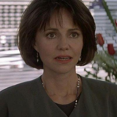 Sally Field as Miranda Hillard: Then