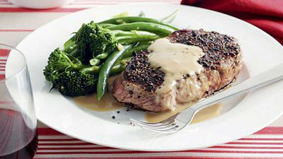 <strong>Pepper steaks with pumpkin mash</strong>