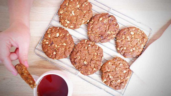 Perfect ANZAC biscuits, a time-honoured tradition
