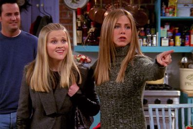 Reese Witherspoon starred as an onscreen sister to guest-Jennifer Aniston's friends.