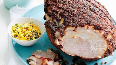 "<a href=""http://kitchen.nine.com.au/2016/05/16/19/00/spicecrusted-ham-with-mango-salsa"" target=""_top"">Spice-crusted ham with mango salsa</a>"