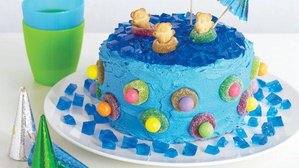 Jelly pool cake