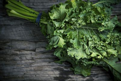 <strong>Kale (and other leafy greens)</strong>