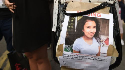 Friends of then missing Jessica Urbano, 12, wearing photographs of Jessica pinned to their t-shirts. (AAP)