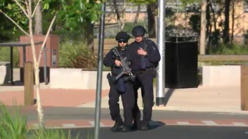 Police at the scene in Point Cook on Monday. (9NEWS)