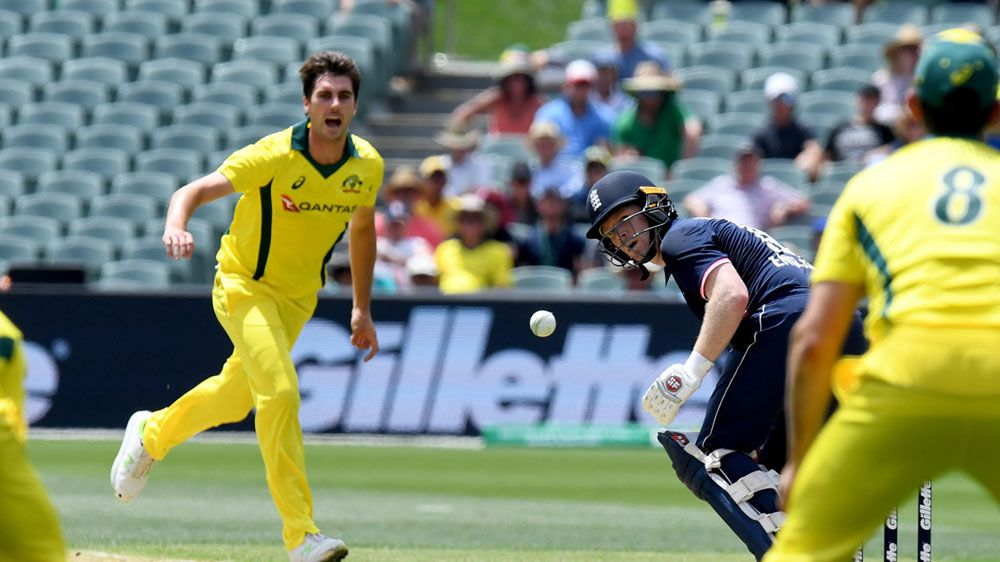 Australia bowl; Maxwell back, Willey and Ball play