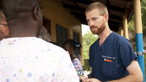 Dr Kent Brantly, who was one of two aid workers that contracted Ebola in Africa, has returned to the US. (AAP)