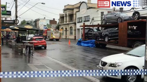 Pedestrian killed at busy Melbourne intersection