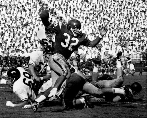 Southern California's O.J. Simnpson in a college football game in 1968. (AP)