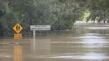 Flood risks in Queensland and thunderstorm warnings in NSW