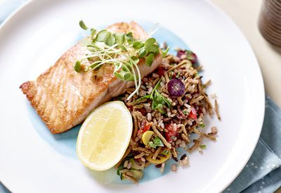 "Recipe:&nbsp;<a href="" /recipes/isalmon/9110186/grilled-salmon-all-bran-pilaf "" target=""_top"">Grilled salmon All Bran pilaf<br /> </a>"