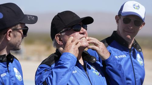 William Shatner describes what the g-forces of the Blue Origin lift off did to his face.