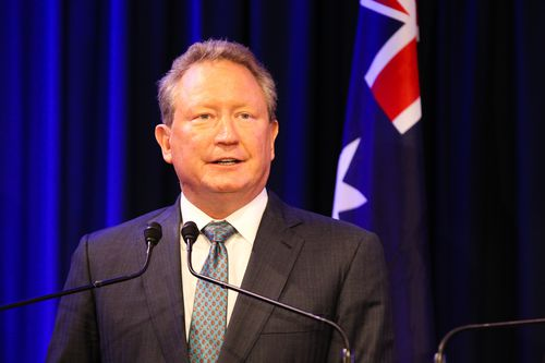 Billionaire mining magnate Andrew 'Twiggy' Forrest has backed a call to raise the legal smoking age. (AAP)