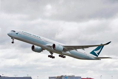 <strong>6. Cathay Pacific</strong>