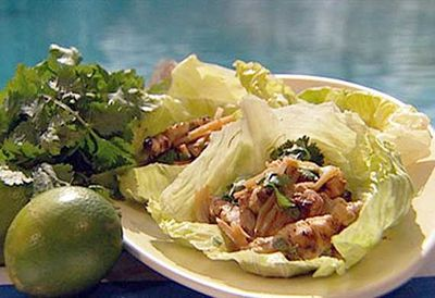 Crispy chicken and bamboo lettuce cups