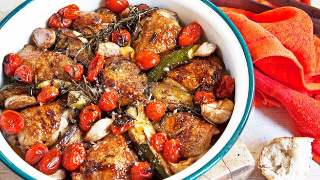 Pan-roasted chicken with maple syrup and tomatoes
