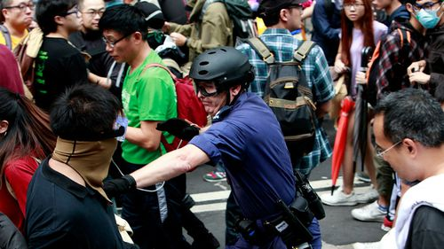 Police and protesters clash in Hong Kong. (Getty Images)