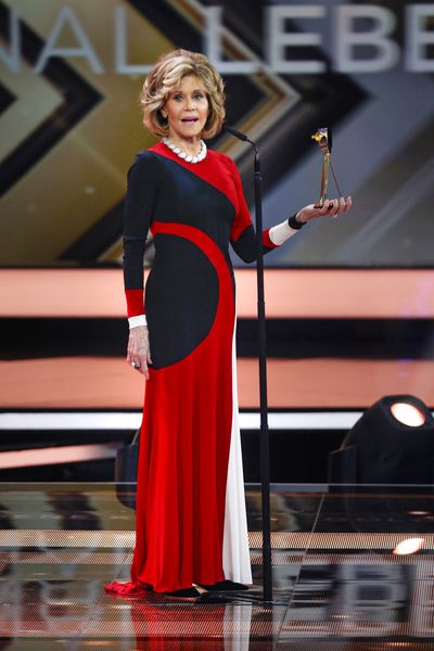 <p>At 79 Oscar-winning actress Jane Fonda continues to deliver sexy silhouettes and contemporary styling.&nbsp;</p>