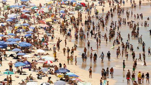 Huge crowds at Bondi Beach yesterday. (AAP)