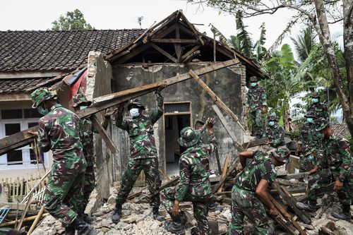 Four dead in strong Indonesia earthquake off the Indonesian islands of Sumatra and Java