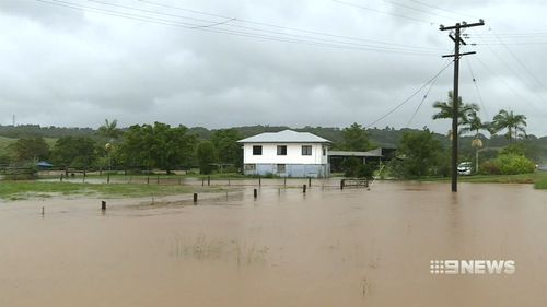 Heavy rainfall has isolated homes in northern Queensland. (9NEWS)