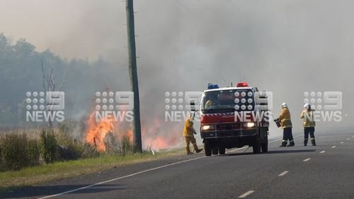 The out-of-control bushfire is spanning more than 160 hectares.