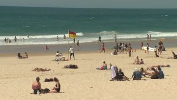 Gold Coast swelters through spring heatwave