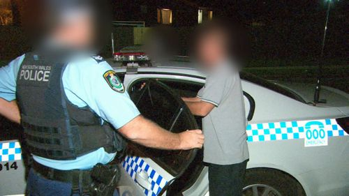 Teams of police target high-risk offenders. (9NEWS)