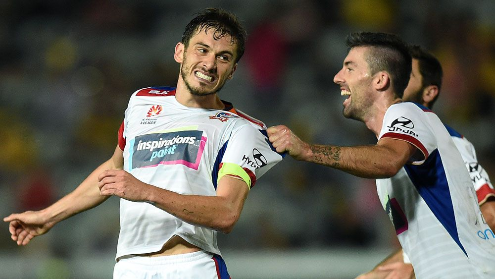 Jets beat Mariners 4-2 in A-League derby