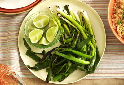 Mexican chargrilled green onions with lime and white pepper