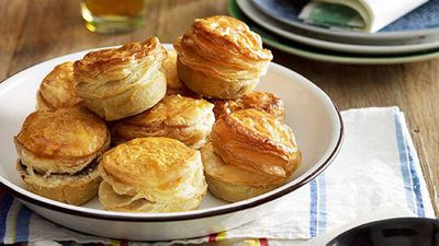 <strong>Party pies</strong>