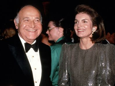 Maurice Tempelsman and Jacqueline Kennedy Onassis attends a gala in 1986 in New York City. (Photo by Sonia Moskowitz/IMAGES/Getty Images)