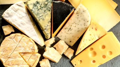 Can I eat cheese and lose weight?