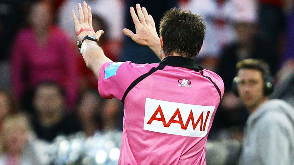 A referee signals a sin binning in 2013. (Getty-file)