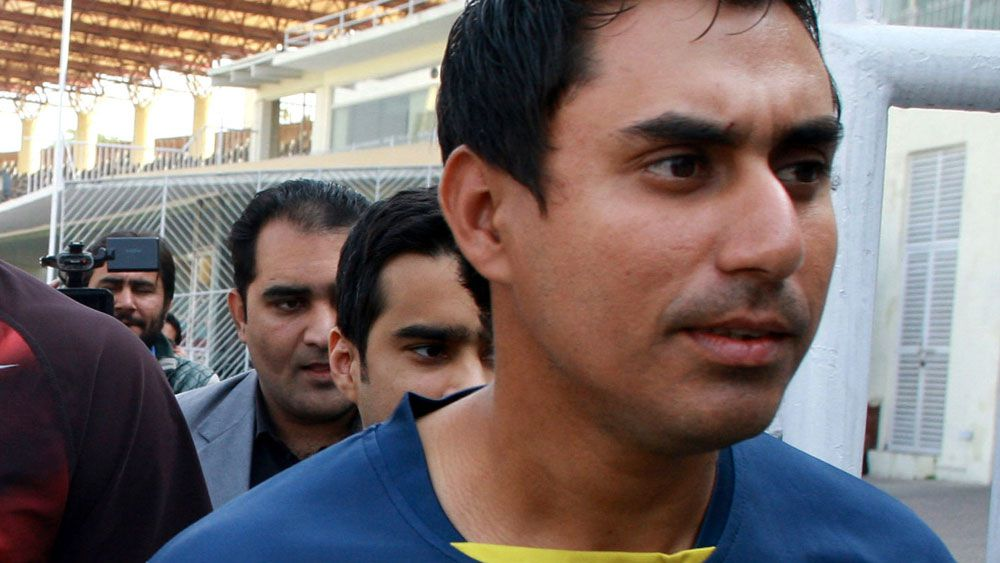 Nasir Jamshed (front) was arrested over spot-fixing allegations. (AAP)