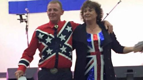 Abbott's indigenous affairs representative in NT 'sorry' for wearing Confederate flag