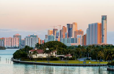 18. Bal Harbour Beach, Miami, USA - 239 pictures per metre
