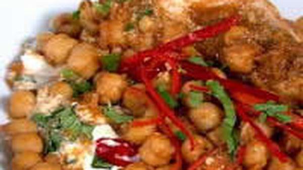 Machi Chola, Kingfish And Chickpeas