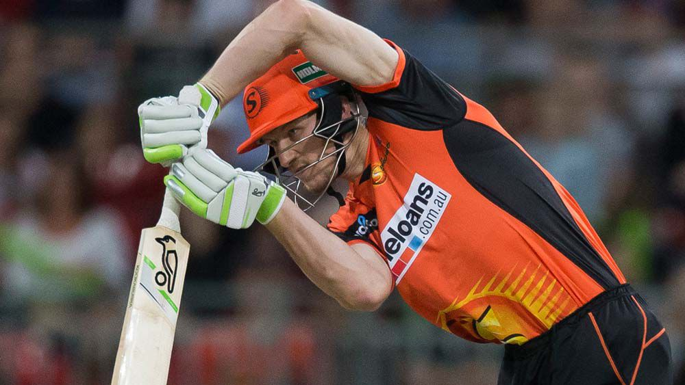 Usman Khawaja shows form is real as Thunder keep BBL dream alive