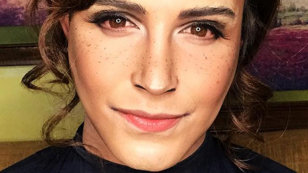 See this makeup artist's transformation into Emma Watson
