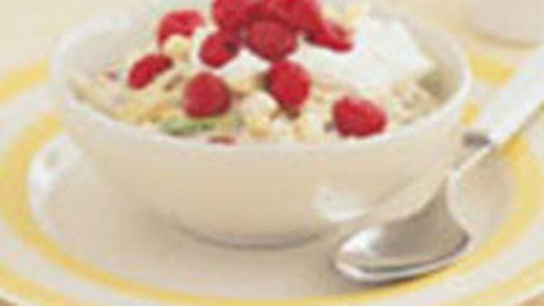 Raspberry bircher muesli