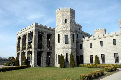 <strong>Kentucky Castle, Versailles</strong>