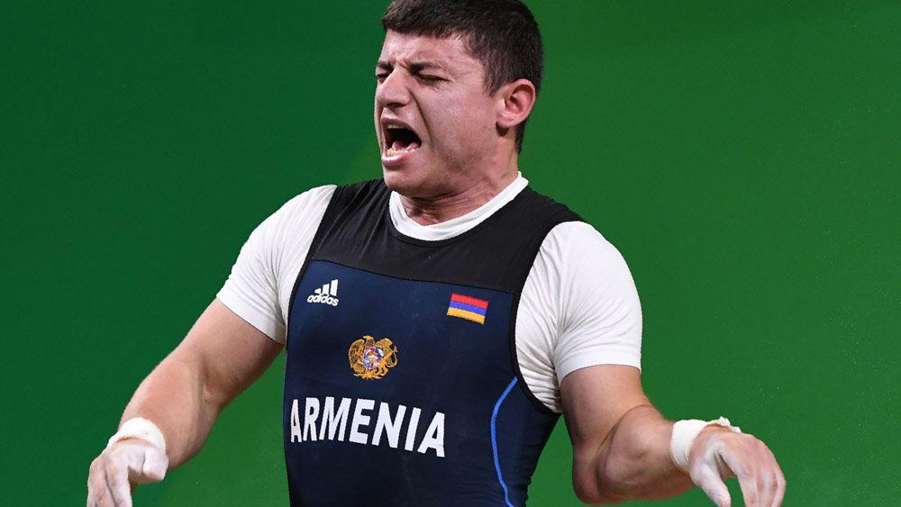 Armenian weightlifter has sickening injury