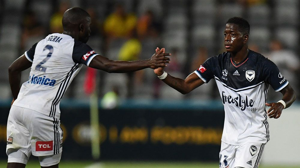 Central Coast Mariners and Melbourne Victory share A-League points