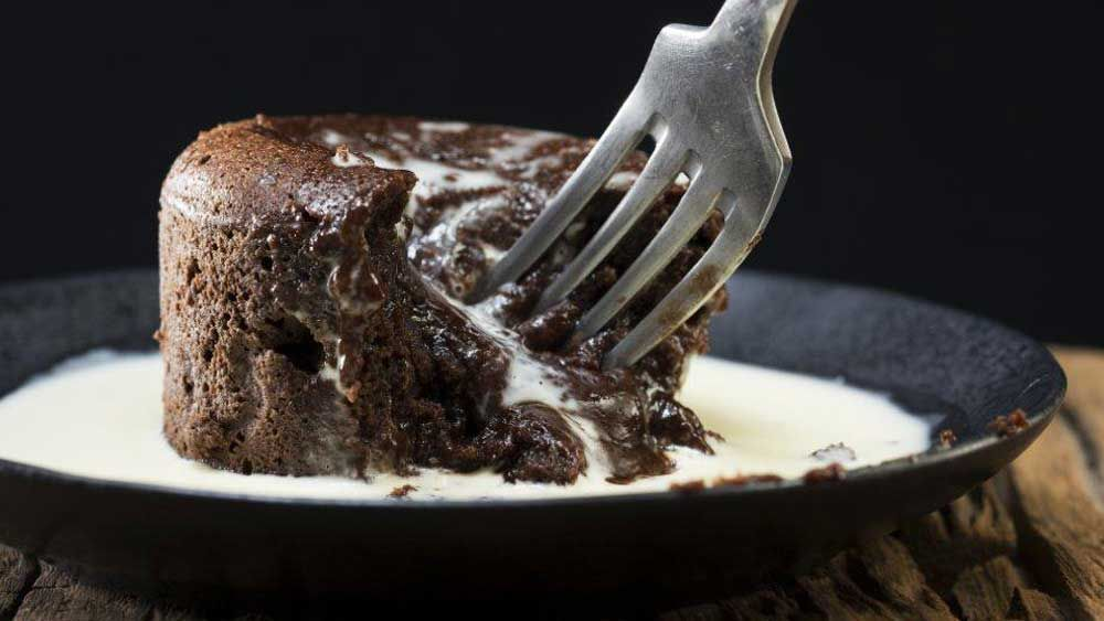 Chocolate and date molten puddings courtesy of McKenzie's Foods