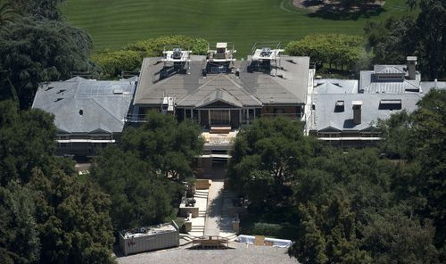 An aerial photograph of Oprah's Montecito home from 2012. (AAP)