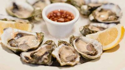 Oysters with Irish soda bread