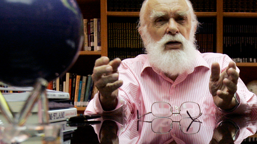 Infamous magician and skeptic James Randi dies at 92
